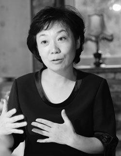 '최초 여성 공직자' 실명 비판 후 사표 낸 정미경  검사
