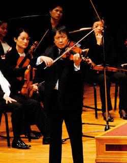 간염 환자 위한 연주회 8년째 열어온 바이올리니스트 강동석