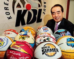 '100년 한국 농구' 이끄는 KBL 총재 김영수