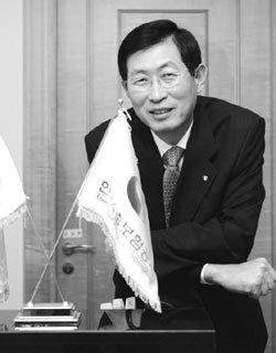'돈 수출 전도사' 조환익 한국수출보험공사 사장