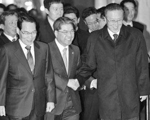 '안보 독트린' 없는 이명박, 북한 급변 염두에 둔 PKO 상비군 창설하라