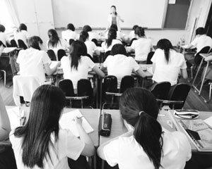 """""""어느 학교 나왔길래 그렇게 가르쳐?"""" 요즘 교사들의 좌절과 희망"""