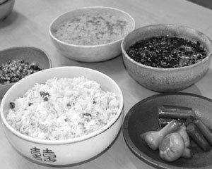 '먹을거리 자주권'은 21세기 새 테제 제주도엔 제주음식이 없다 박물관 쇼윈도에 있을 뿐