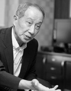 '영원한 策士', 윤여준 전 의원의 'MB 리더십' 진단