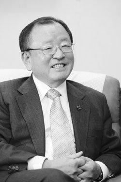 '폭풍우 속 경제 조타수' 강만수 기획재정부 장관