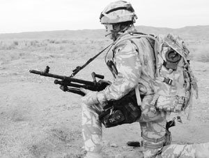 미래 전장서 군용 배터리 '퇴출'