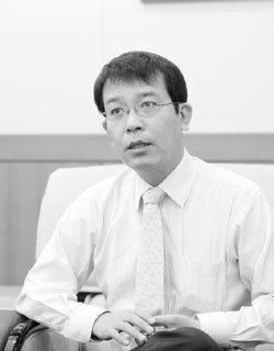 '노무현 정부 秘史'기록한  안보전문기자 김종대