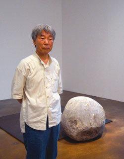 일본 나오시마에 개인 미술관 세운 화가 이우환