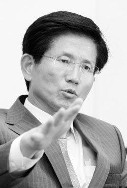 북 주민 끌어안는 큰 민족주의·반공·과감한 복지… '한국의 드골' 지향