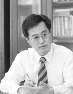 """""""가짜 친서민 예산이라고요? 청계천 철거민·상고 출신이 만들었습니다"""""""
