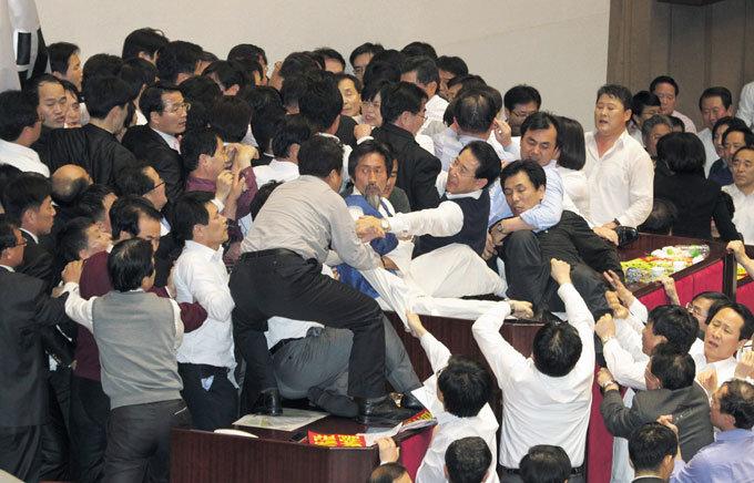 정권-국회-지자체 야합 비효율 국책사업 열전