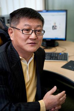 국가인권위 상임위원 내정 논란 전향한 김일성주의자 홍진표