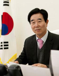 """""""한국·북한 잇는 관문도시로 성장하는 게 철원의 미래비전"""""""
