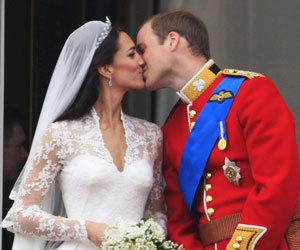 윌리엄-케이트 결혼 英 침체 관광산업 · 노쇠 왕실 살렸다