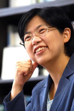 '부드러운 투사' 이정희 민주노동당 대표