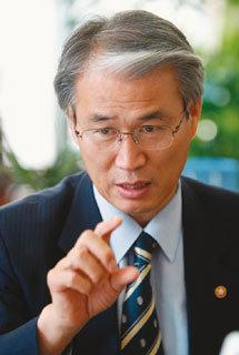 '현장 입법' 전국 누비는 권오을 국회사무총장