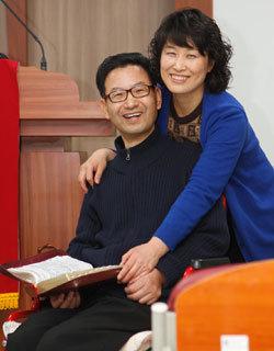 """""""루게릭병 치료비까지 모아 저개발국 어린이 후원"""""""