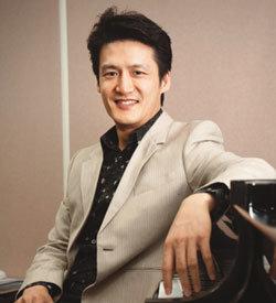'클래식 통역'으로 대중화 이끄는 피아니스트 조재혁