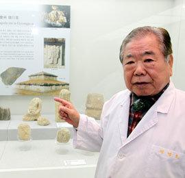 """""""발로 뛴 사진 120만 장 모아 한국미술사연구 집대성할 것"""""""