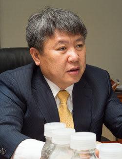 """""""고비용-온실가스 두 마리 토끼 잡는다"""""""
