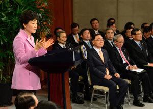 박 대통령의 '내 방식대로' 소통 국민 눈엔 '불통'으로 비친다