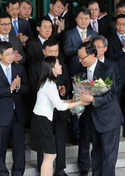 '사찰' 배후 청와대 비선 못 찾고 스폰서 의혹 수사로 변질
