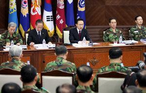 결정적인 시기 왜 한국군은 무력해지는가