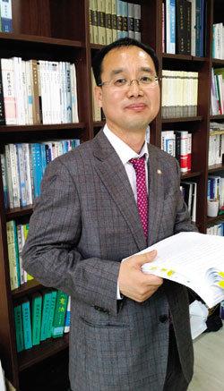 수능 오류 손해배상소송 이끄는 변호사 김현철