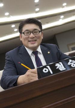 """""""낮엔 정치인, 밤엔 택시기사 24시간 '생활정치' 합니다"""""""
