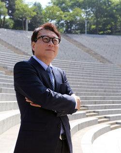 데뷔 35년 만에 첫 단독 앨범 조진원 연세대 특훈교수