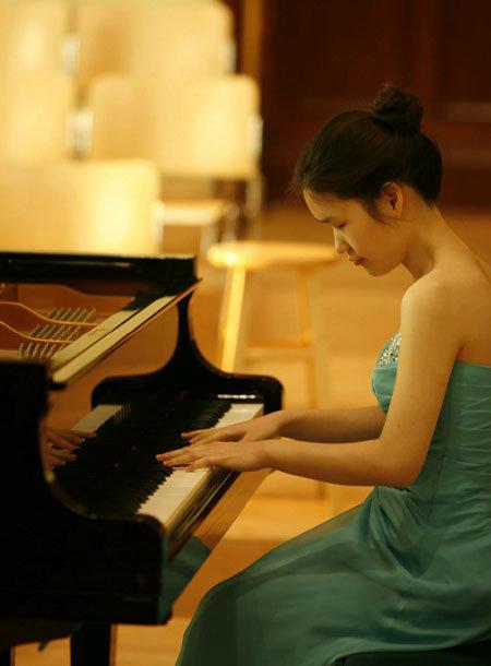 유엔에서 연주한 시각장애 피아니스트 노유진