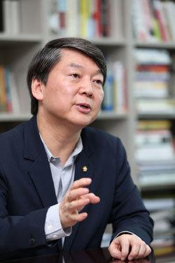 """""""삼성-현대차 합병 가능한 산업구조 개혁 나서야"""""""