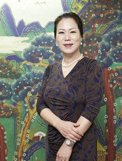 중국인 관광객 가이드 양성하는 전봉애 한국관광통역안내사협회장