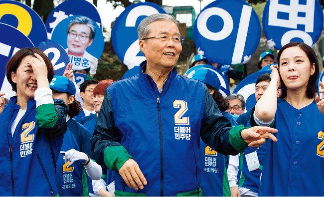 """""""선거가 참 재미지다"""" 호남 유권자 행복한 고민"""