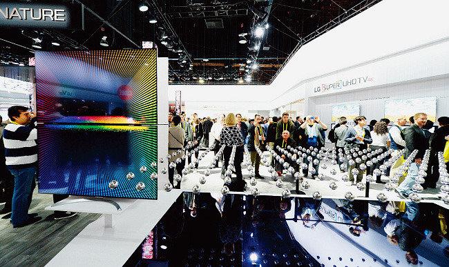 나노셀 vs QLED 극강 LCD TV의 대결