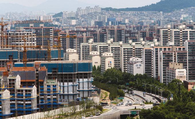 유럽위기 남의 일? 한국도 빚더미에 앉았다