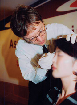 머리부터 발끝까지 치료 보톡스의 진화는 무죄