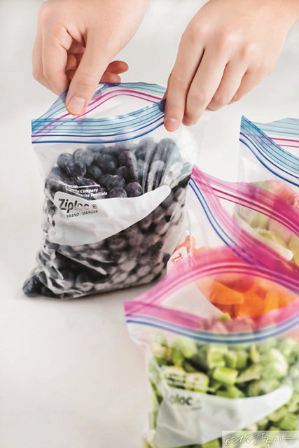 EASY OPEN TAP  ZIPLOC