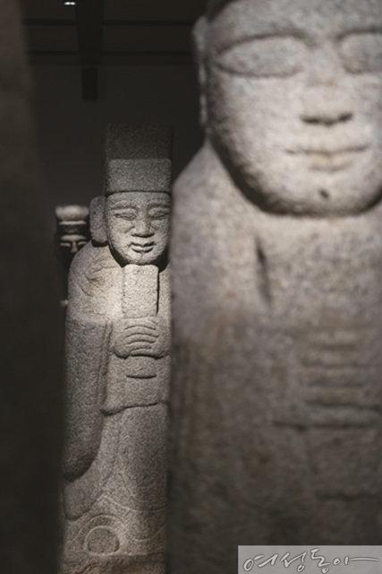 돌이 말을 걸어오다 우리옛돌박물관