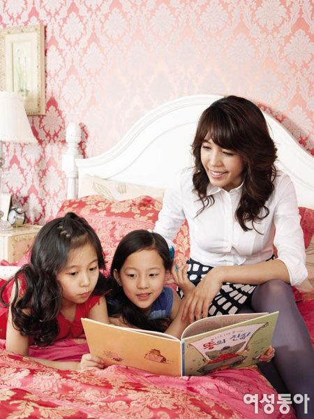 뮤지컬 배우 전수경과 쌍둥이 딸 행복 넘치는 세 여자의 핑크빛 ...