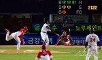사인 훔치기는 더티 베이스볼?·KBO징계 고심