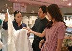 백화점업계, 폭염 특수 웨딩페어로 잇는다