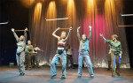 런던 국립극장 흔든 한국어 연극… 英입양 여성이 문화 전도사