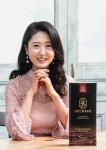 """""""진한 홍삼의 풍미, 잔뿌리까지 먹을 수 있어 더 좋아요"""""""