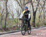 """""""자전거 타기와 느리게 걷기에 푹 빠졌죠""""…진짜 건강 비법은 따로 있다?"""
