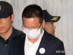 [속보]법원, '김학의 의혹' 건설업자 윤중천 구속영장 기각