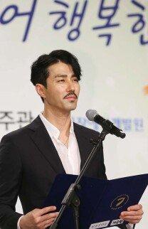 '장애인의 날' 엄숙한 분위기 속 차승원