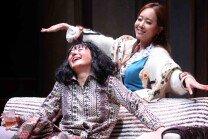 사랑스런 아줌마들의 코미디 연극 '꽃의 비밀'
