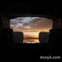 롤스로이스 최초 SUV '컬리넌', 버튼 누르면 칵테일 테이블 연출