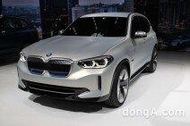 [베이징모터쇼]BMW, 전기 SUV 콘셉트 'iX3' 첫선… 차세대 아키텍처 적용